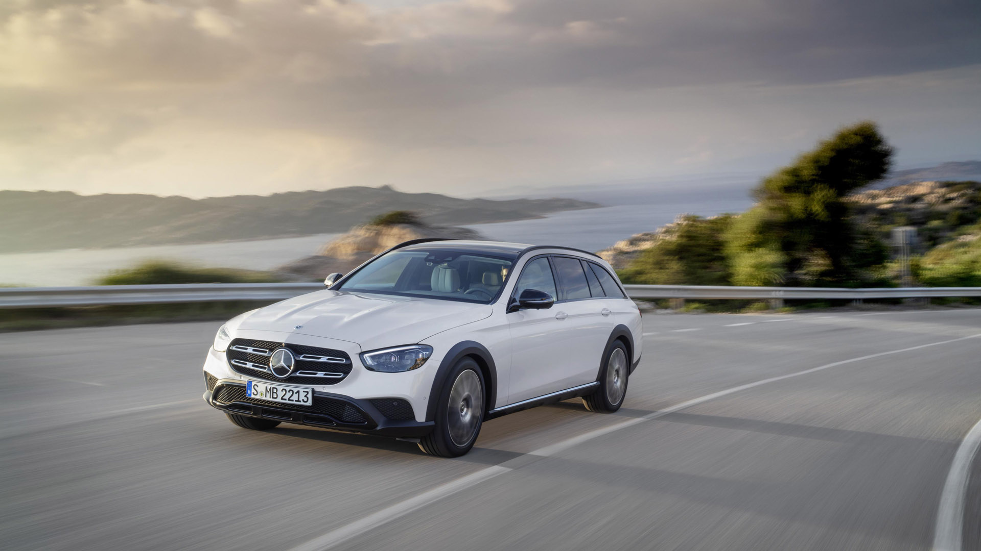 Mercedes-Benz E-Class Estate driving