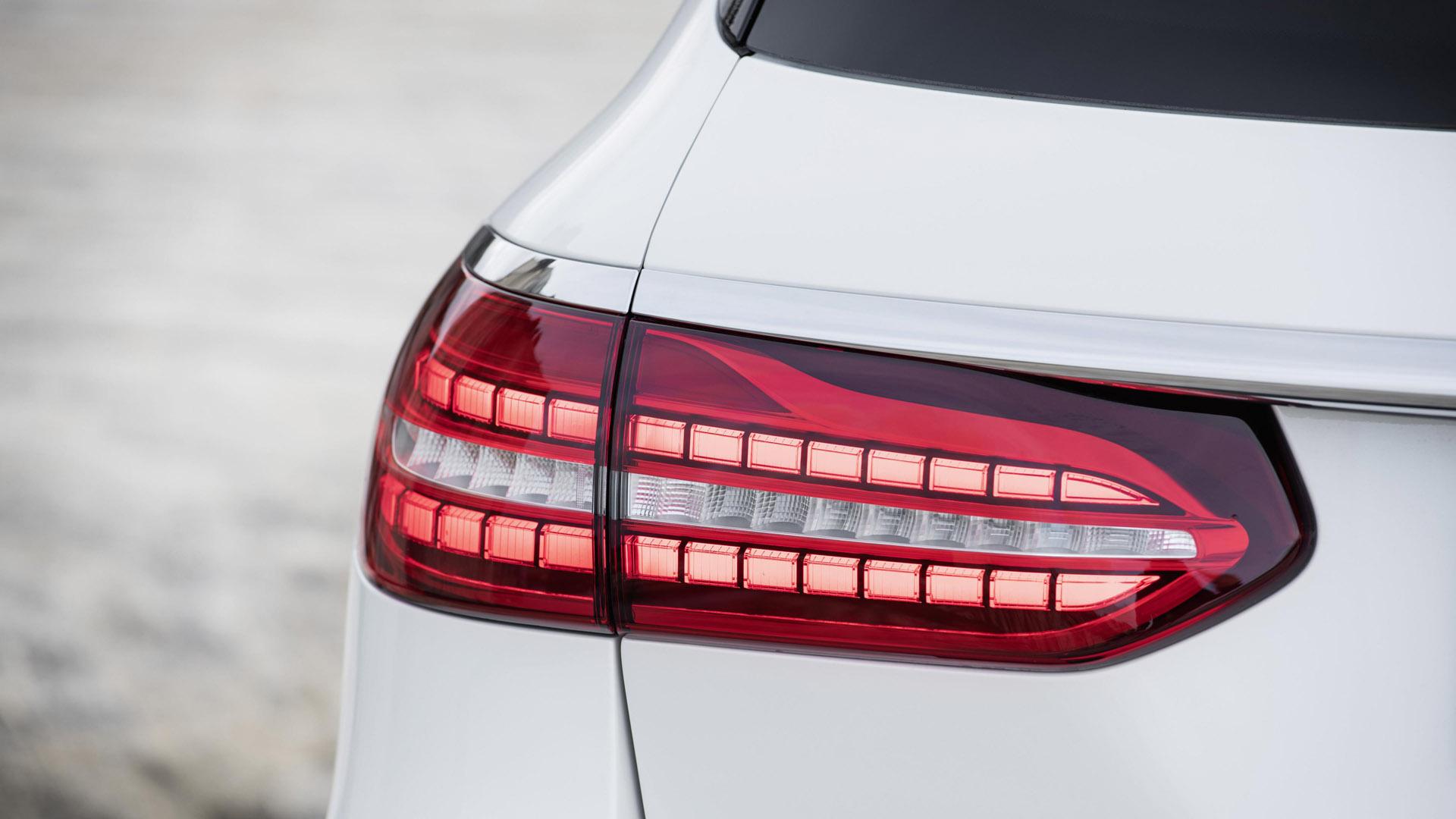 Mercedes-Benz E-Class Estate lights
