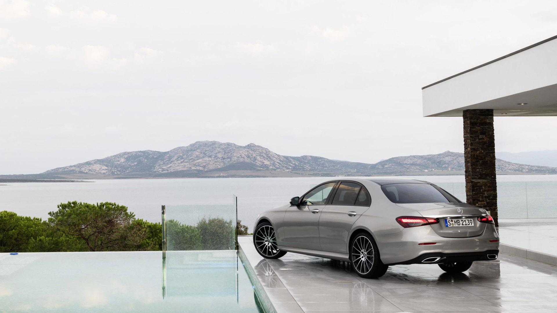Mercedes-Benz E-Class Saloon back