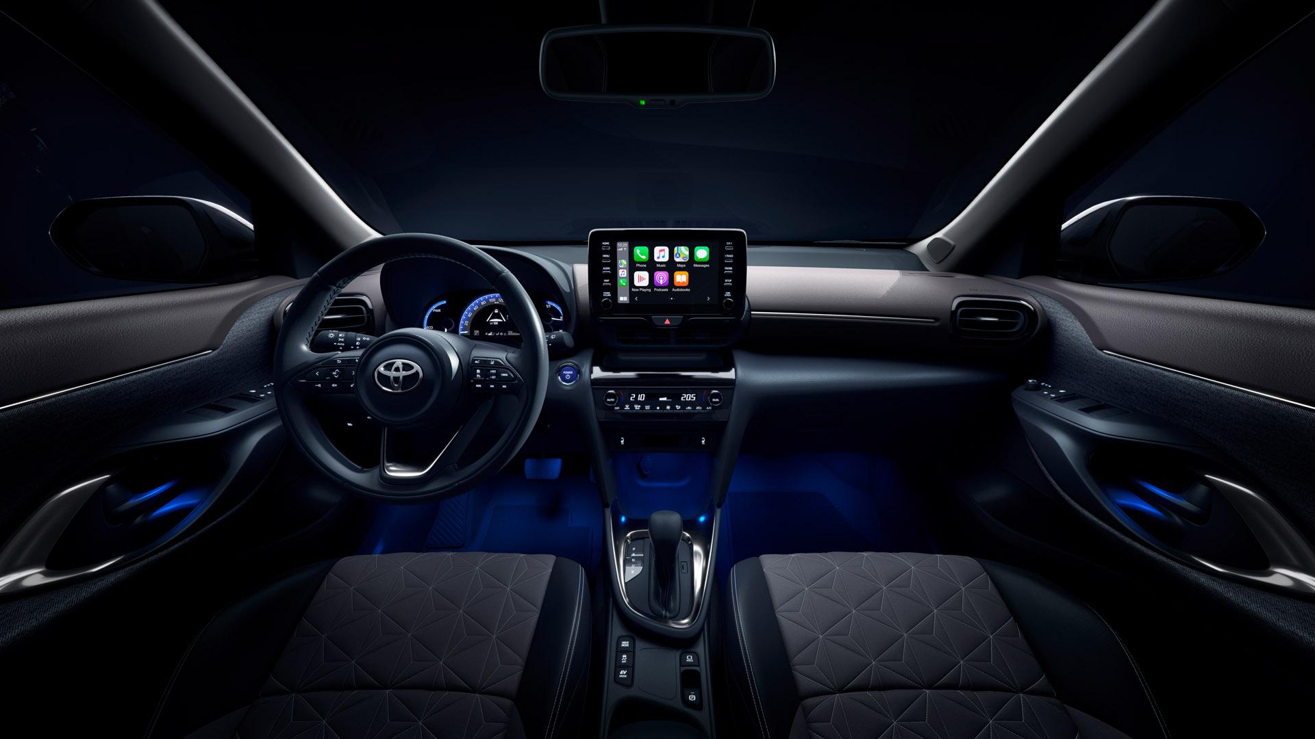 Toyota Yaris Cross headlights