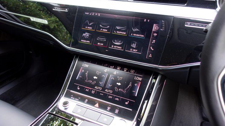 Audi A8 screens