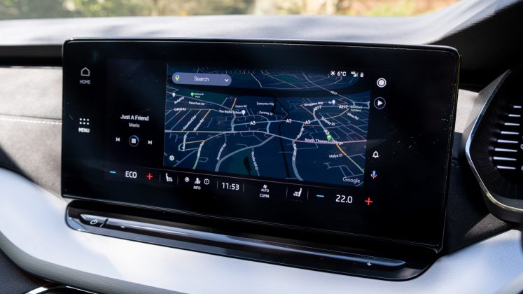 Skoda Octavia iV Estate Android Auto