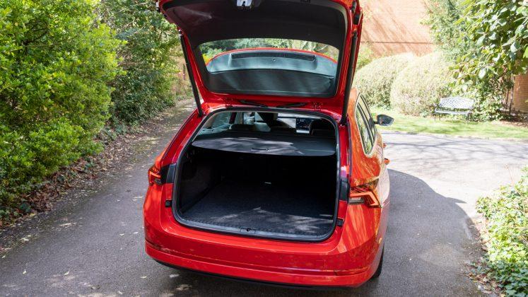 Skoda Octavia iV Estate boot