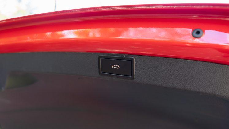 Skoda Octavia iV Estate boot button