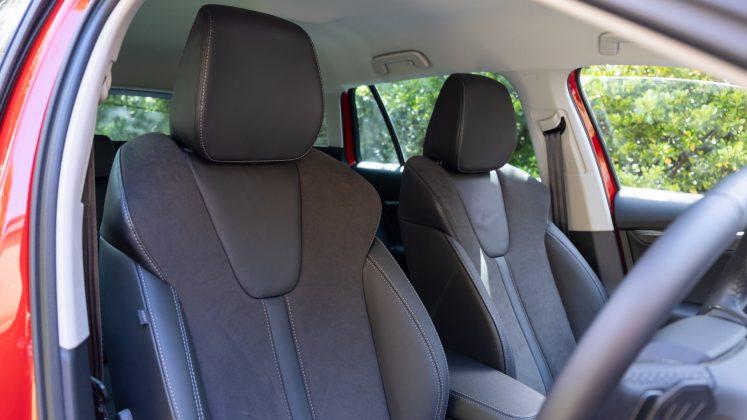 Skoda Octavia iV Estate front seats