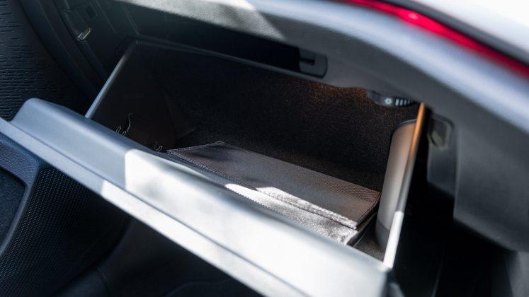 Skoda Octavia iV Estate glove compartment