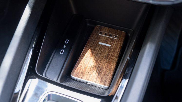 Skoda Octavia iV Estate phone