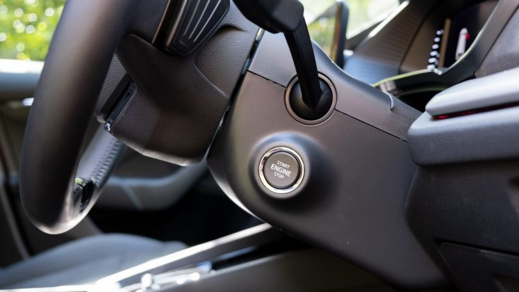 Skoda Octavia iV Estate start button