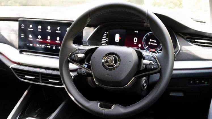 Skoda Octavia iV Estate steering wheel