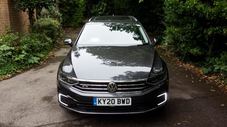 Volkswagen Passat Estate GTE bonnet