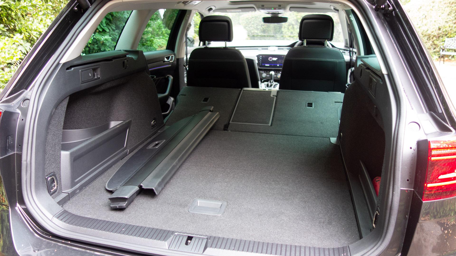 Volkswagen Passat Estate Gte Review The Best Hybrid Estate Totallyev