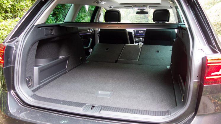 Volkswagen Passat Estate GTE boot storage