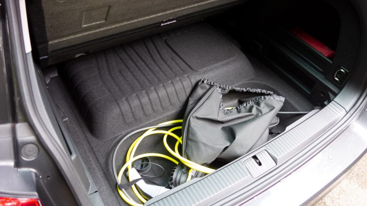 Volkswagen Passat Estate GTE cables