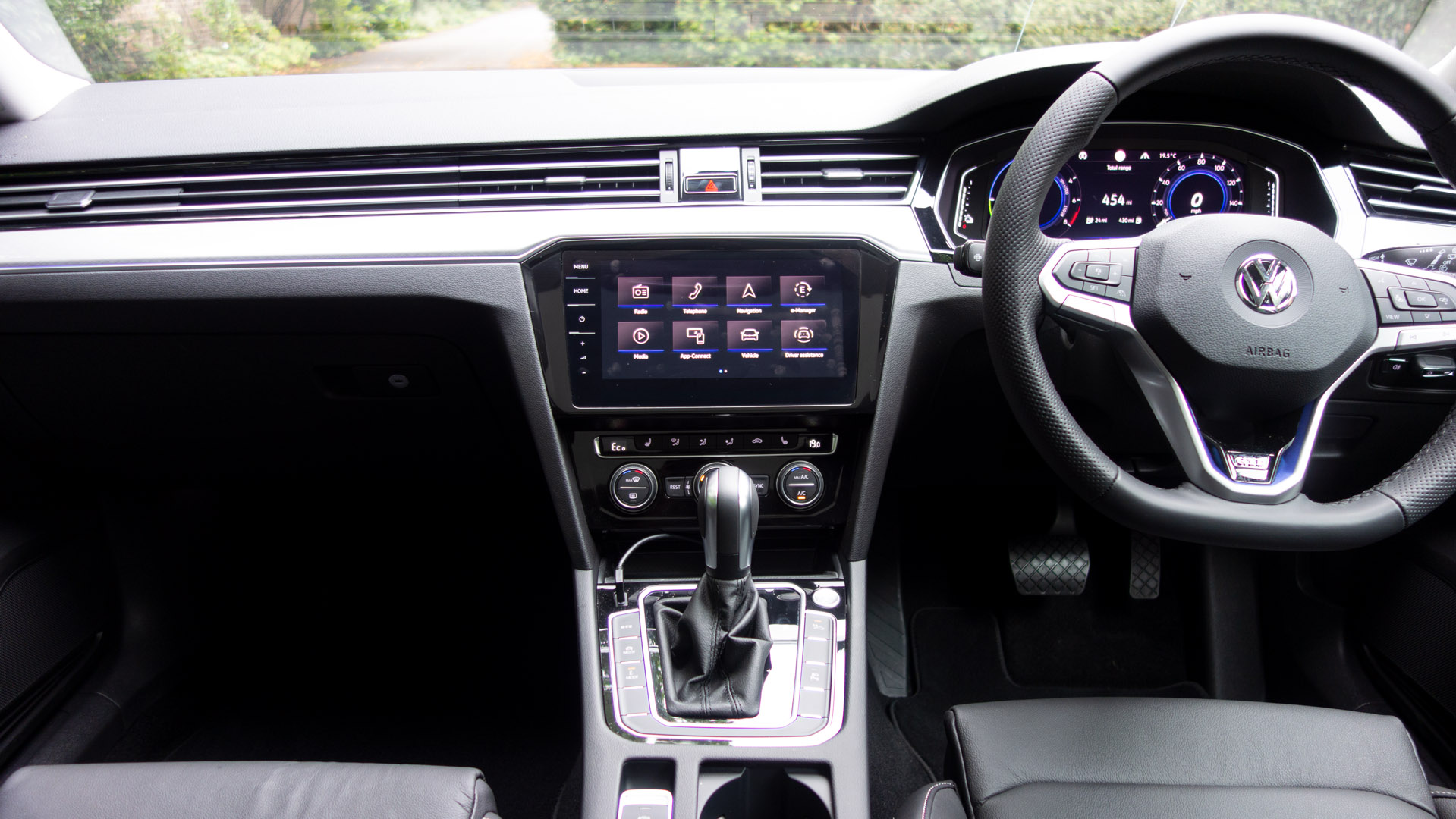 Volkswagen Passat Estate GTE cbain
