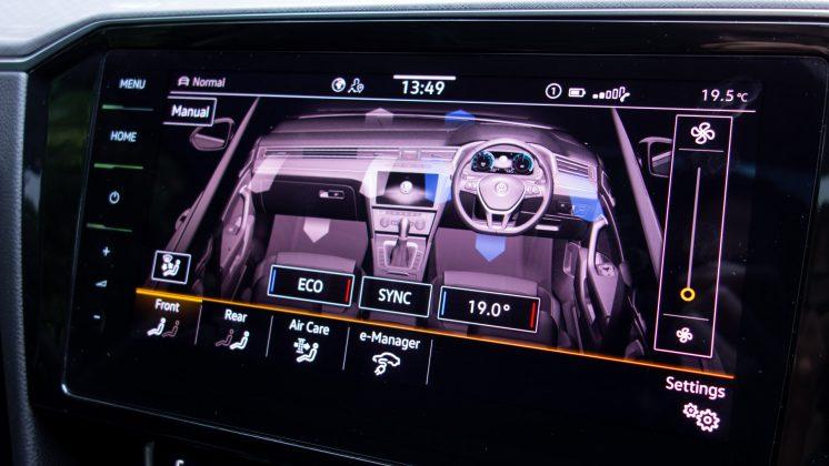 Volkswagen Passat Estate GTE climate