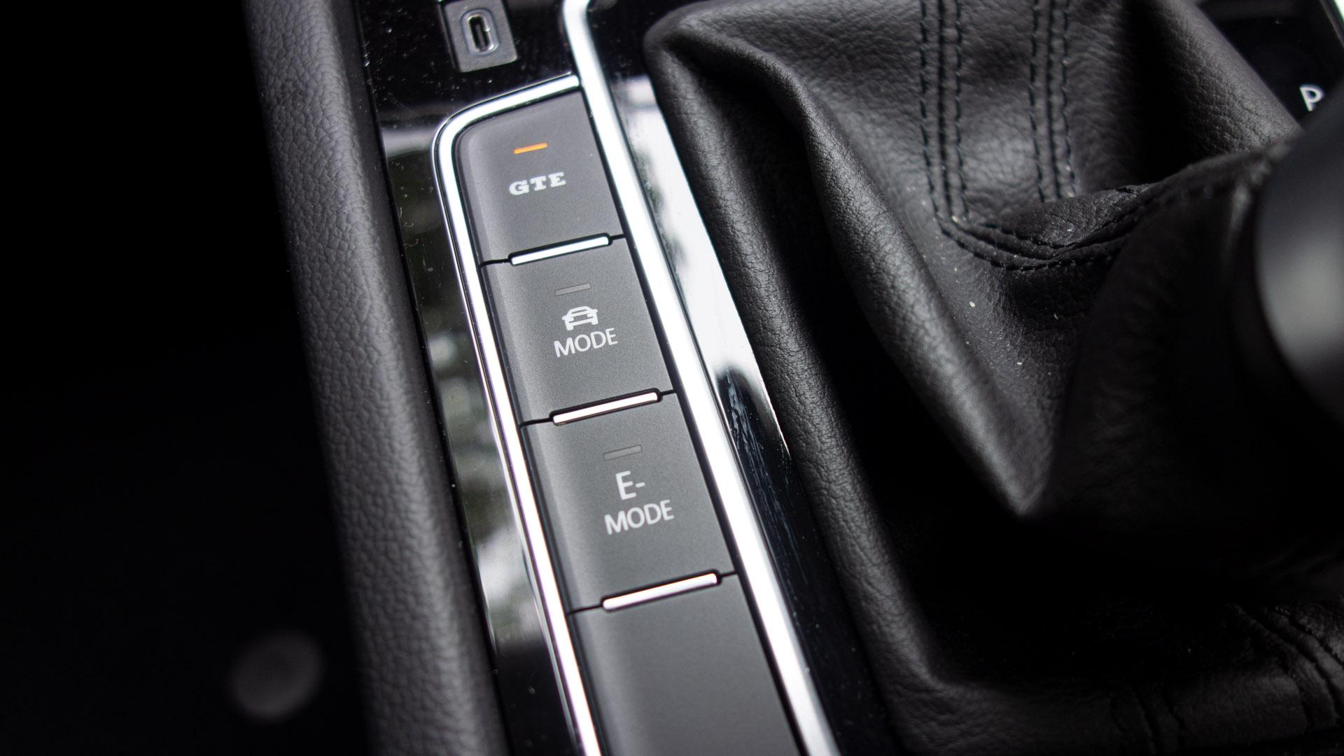 Volkswagen Passat Estate GTE drive mode