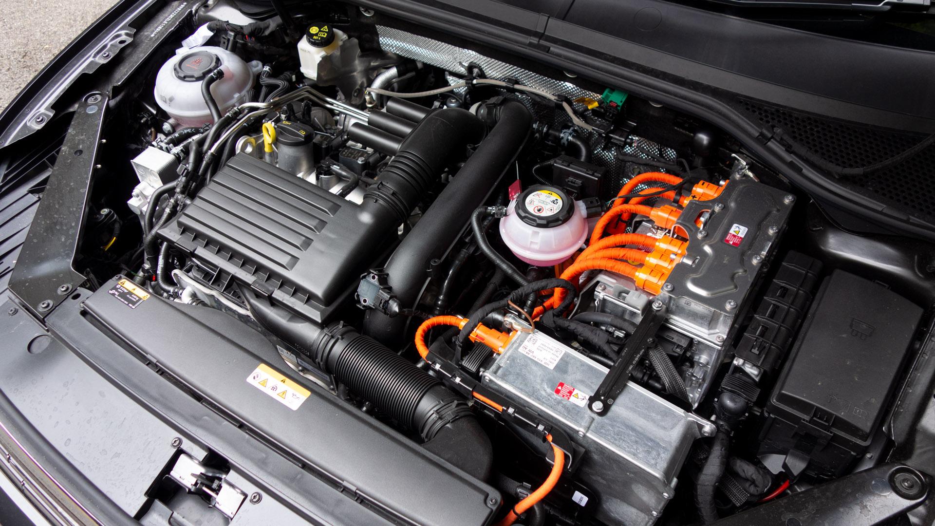 Volkswagen Passat Estate GTE engine