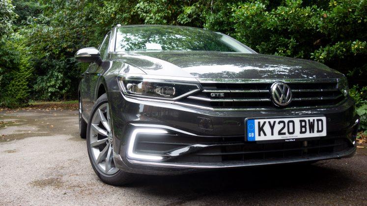 Volkswagen Passat Estate GTE front