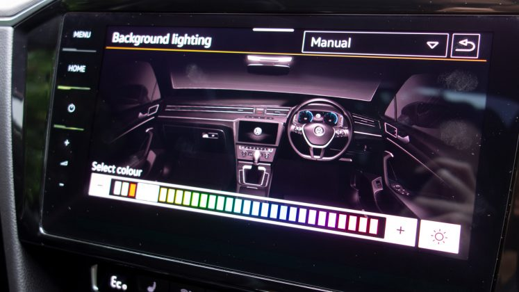 Volkswagen Passat Estate GTE interior lights