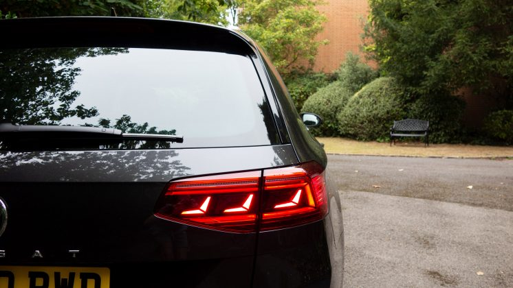 Volkswagen Passat Estate GTE lights