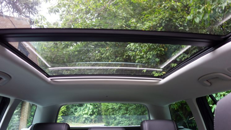 Volkswagen Passat Estate GTE sunroof light