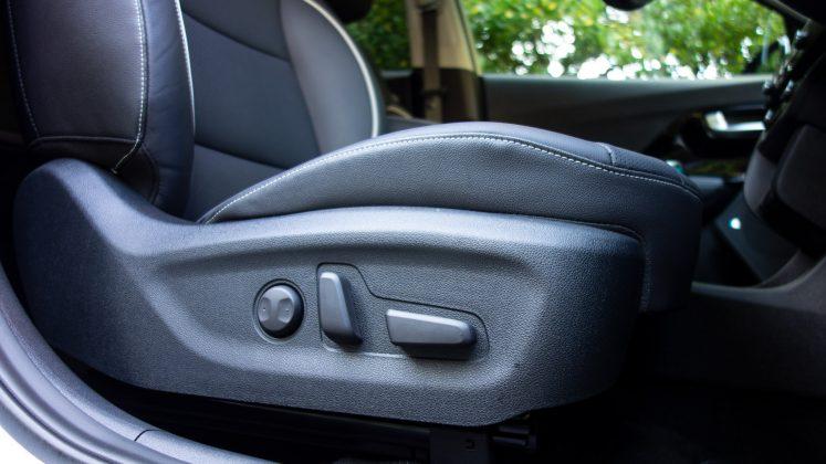 Kia e-Niro seat controls