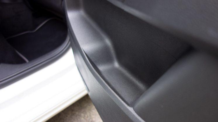 Volkswagen e-up! door space