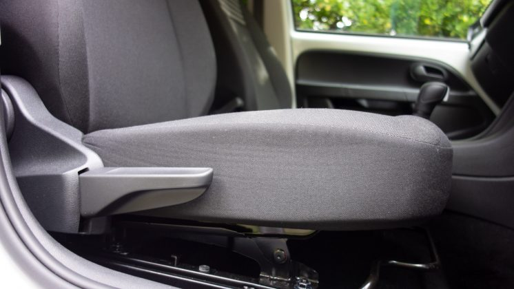 Volkswagen e-up! front seat
