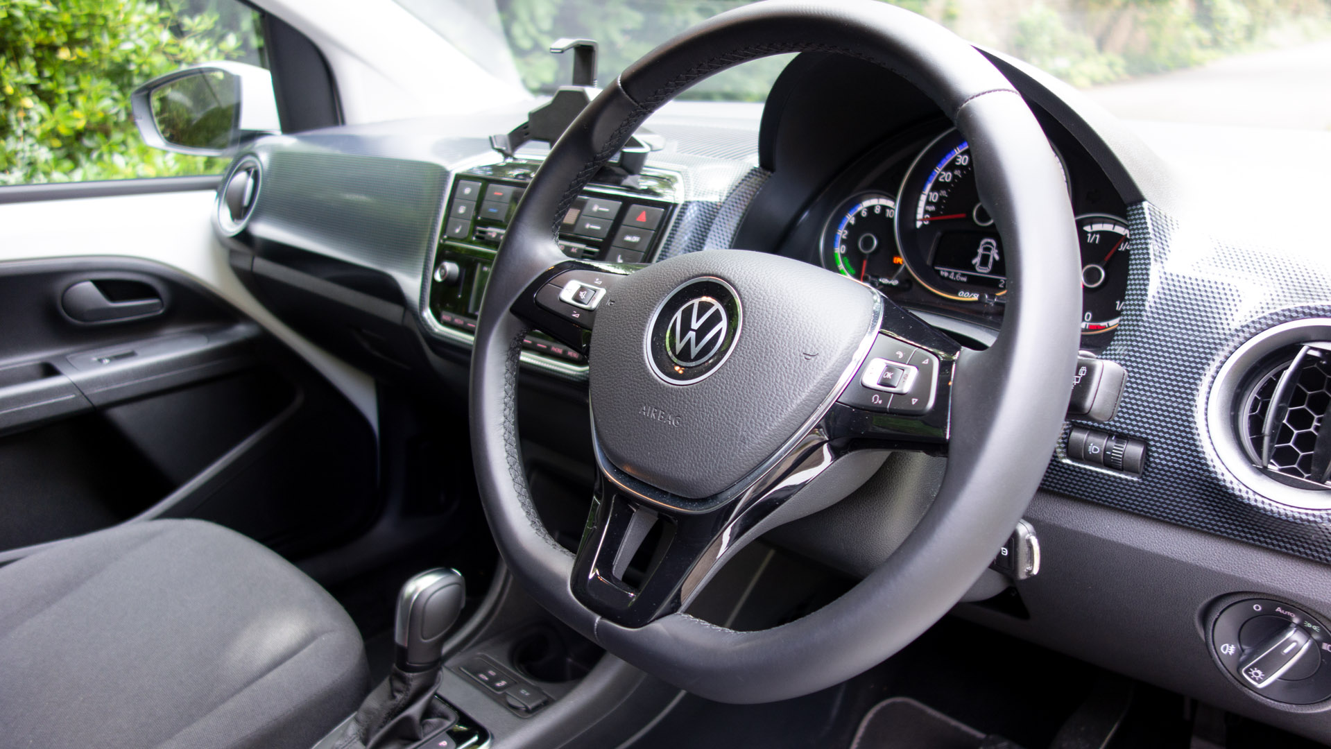 Volkswagen e-up! steering