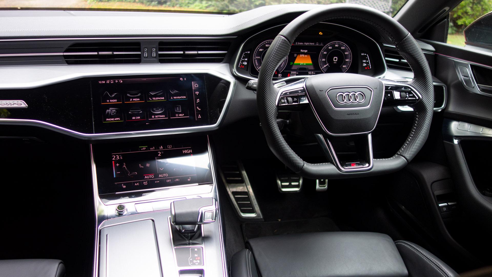 Audi A7 TFSIe cabin