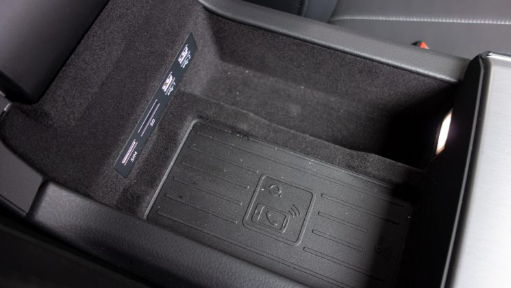 Audi A7 TFSIe centre console storage