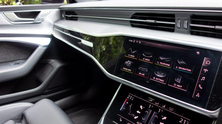 Audi A7 TFSIe dashboard