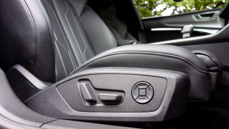Audi A7 TFSIe electric seats
