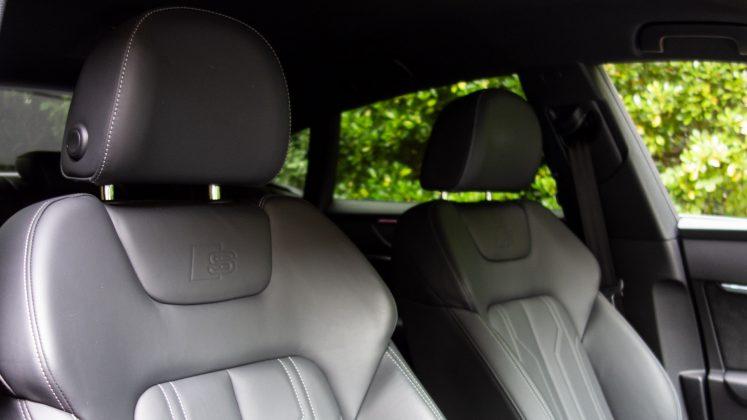 Audi A7 TFSIe front seats