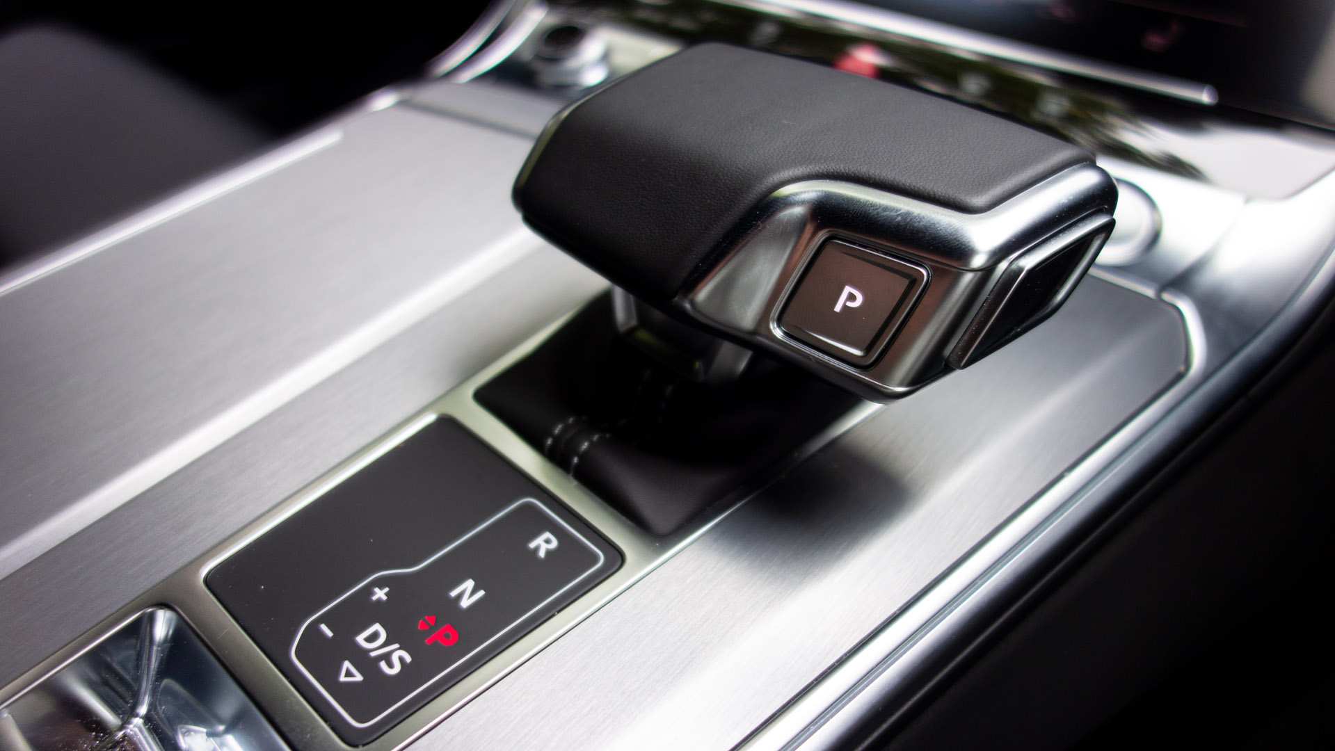 Audi A7 TFSIe gear selector