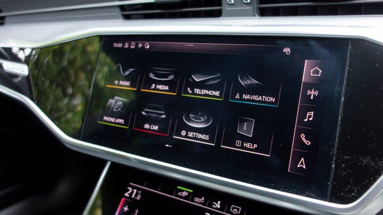 Audi A7 TFSIe infotainment