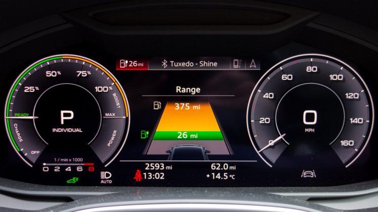 Audi A7 TFSIe instrument cluster