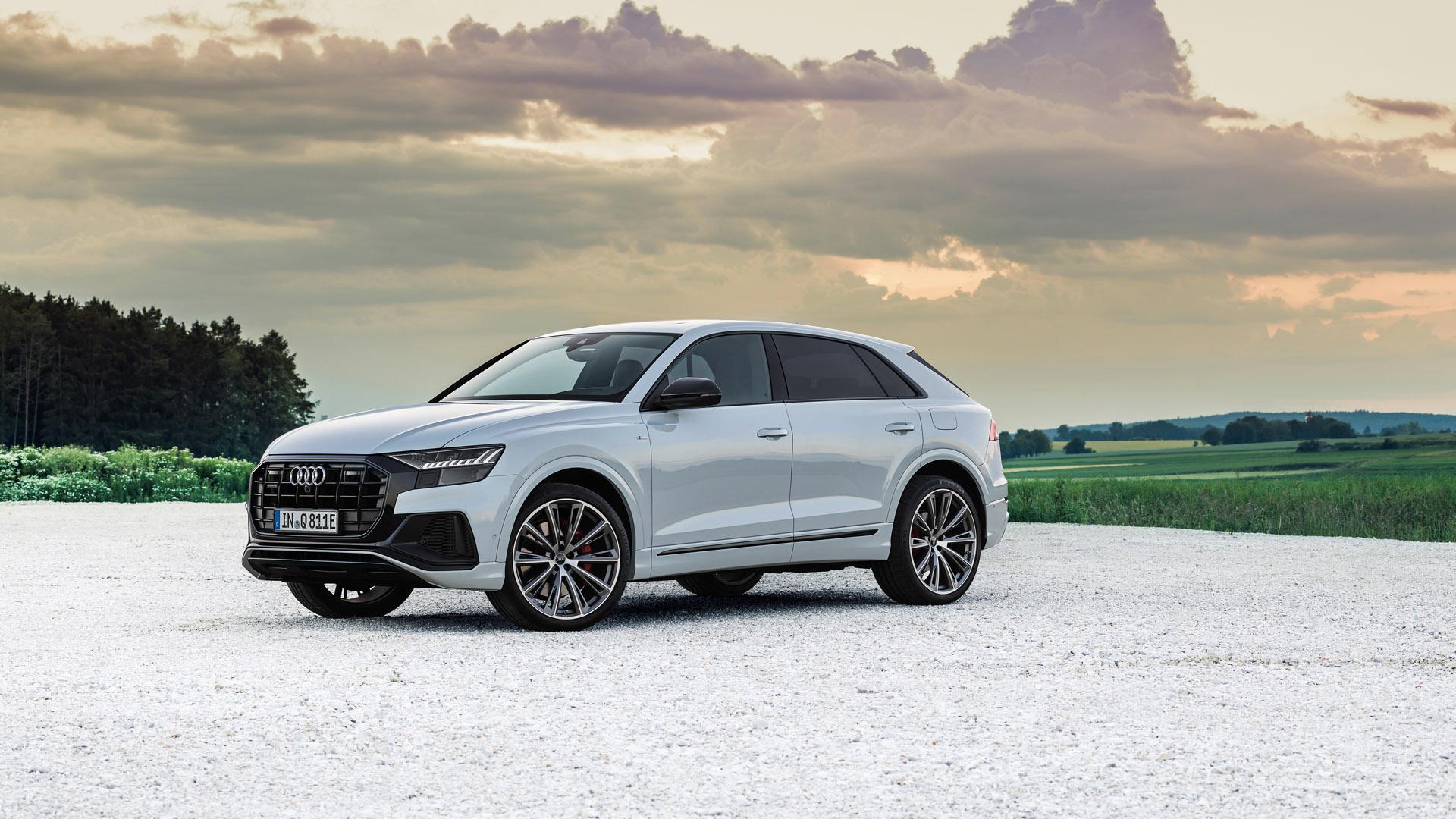 Audi Q8 TFSI e side