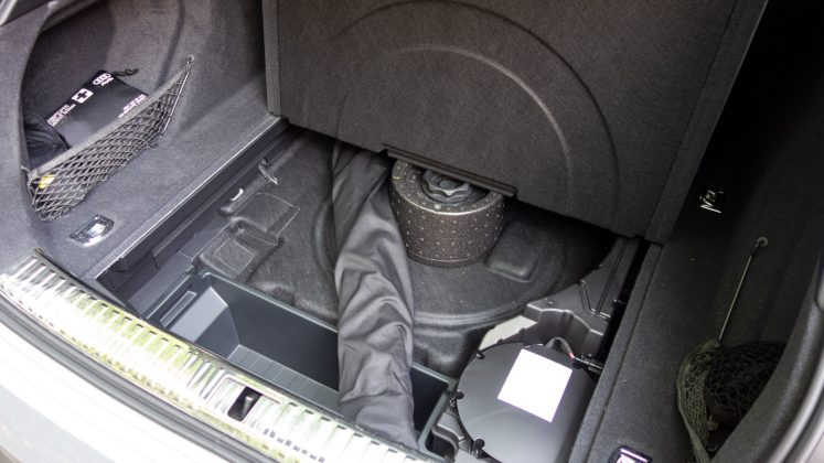 Audi e-tron boot underfloor