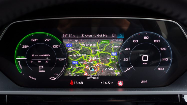 Audi e-tron map cluster icons
