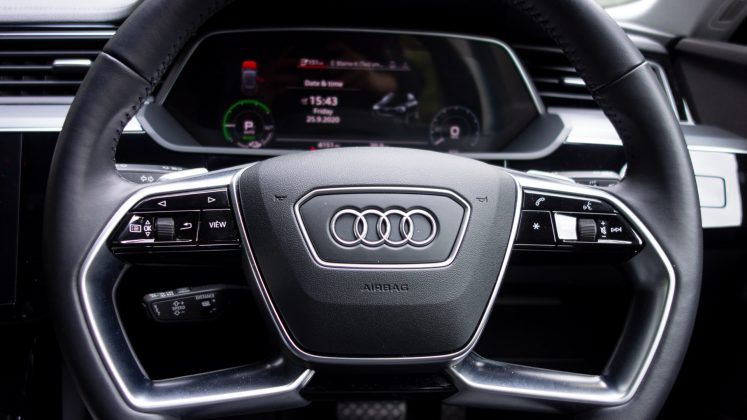 Audi e-tron steering wheel