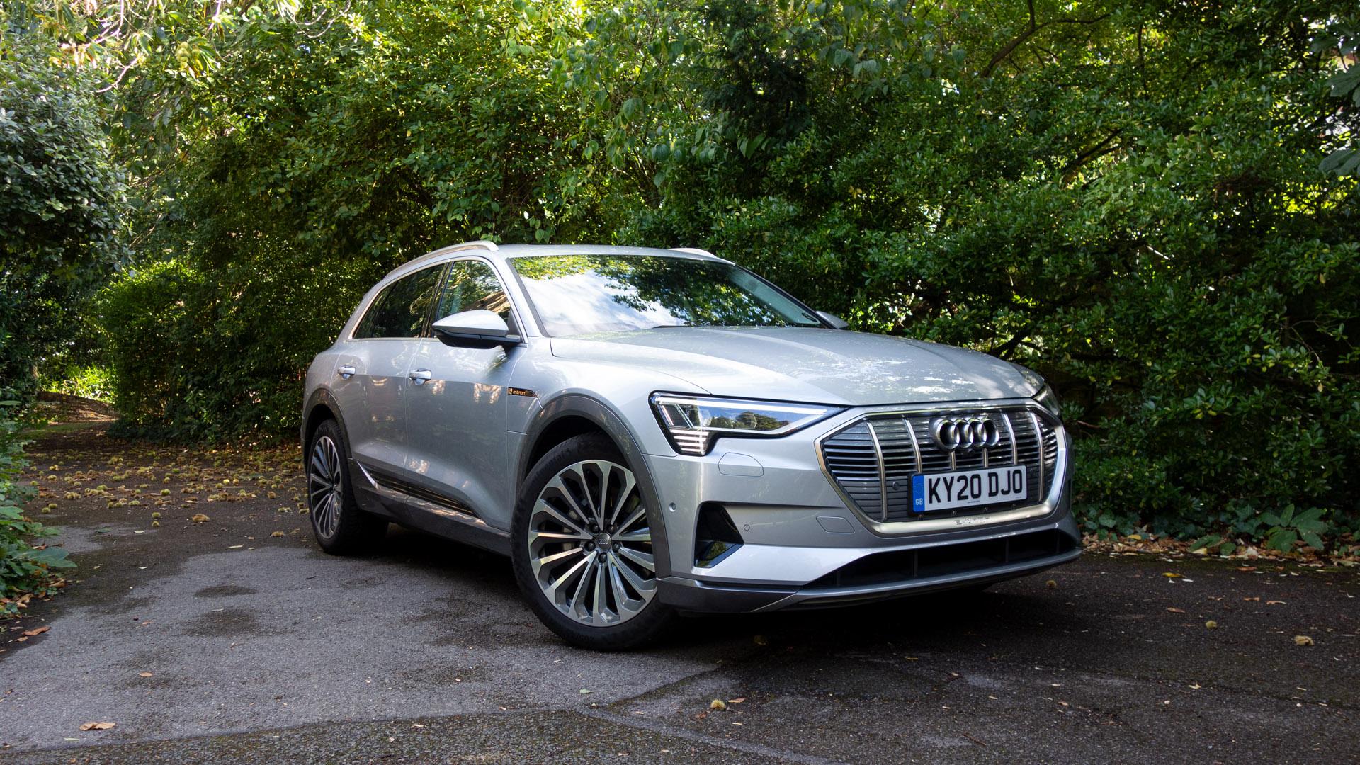 Audi e-tron style