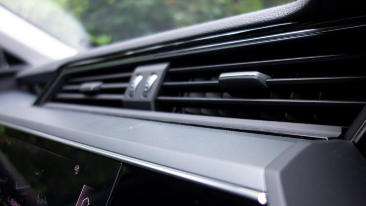 Audi e-tron vents