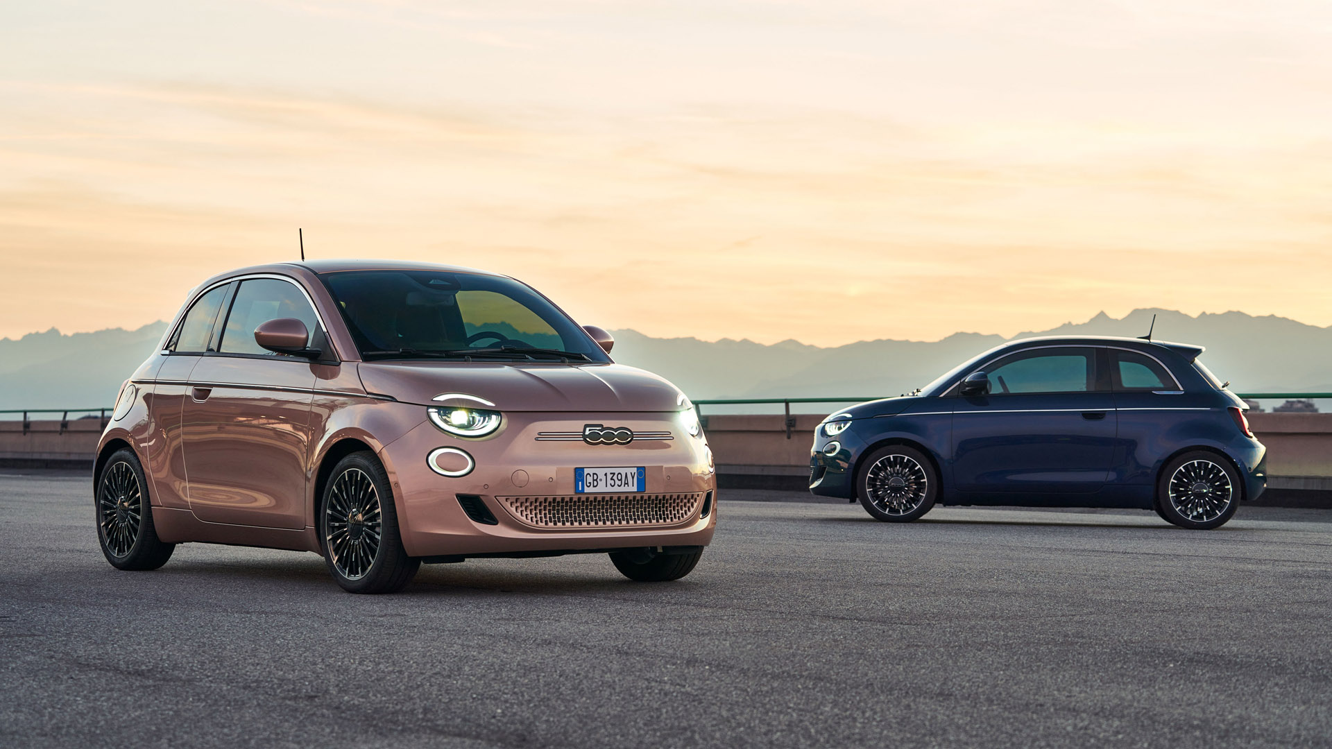 Fiat 500 Electric looks
