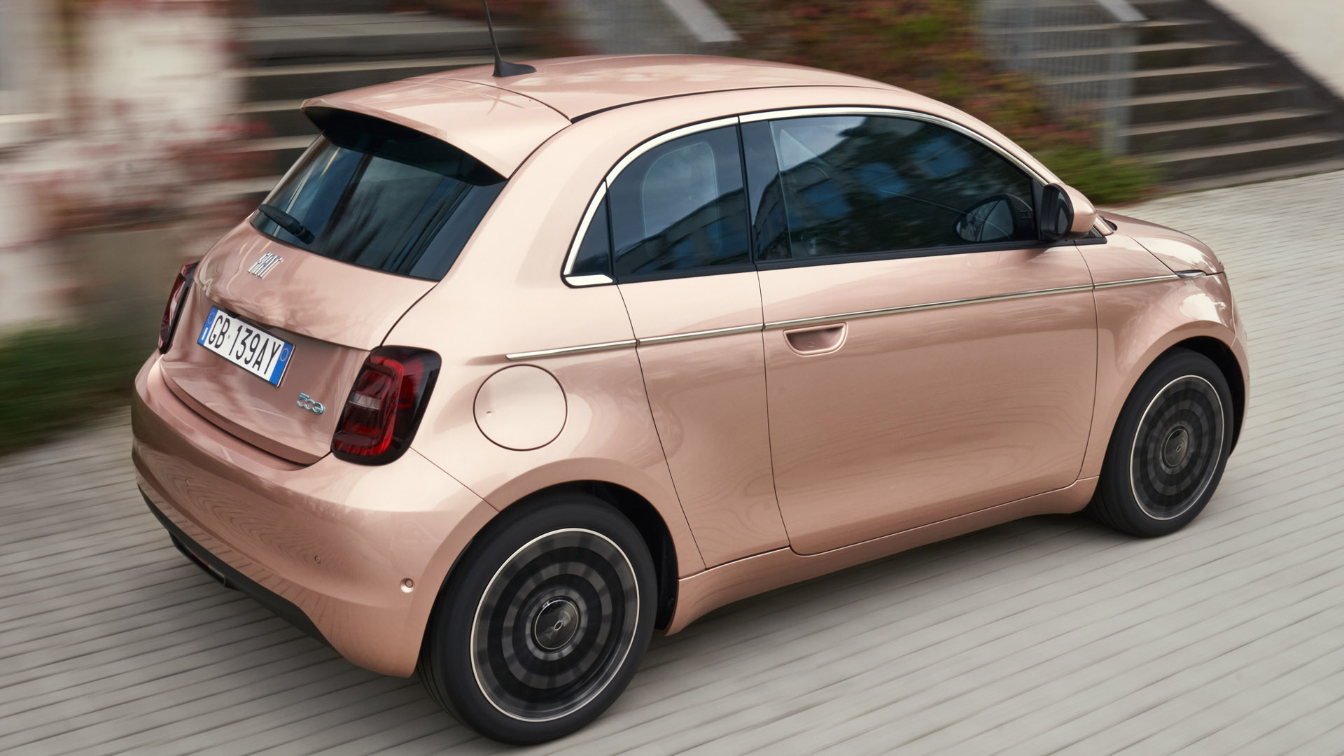 Fiat 500 Electric performance