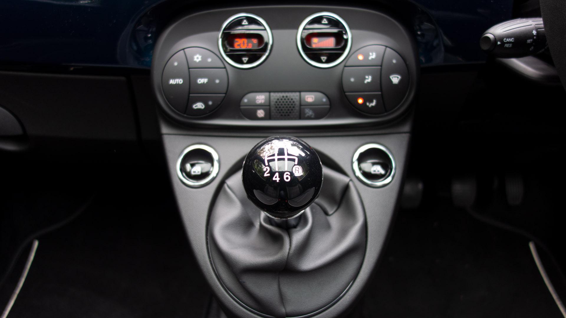 Fiat 500 Hybrid gear knob