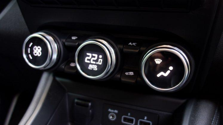Renault Zoe climate controls