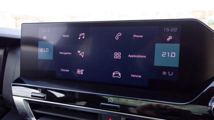 Citroen e-C4 display