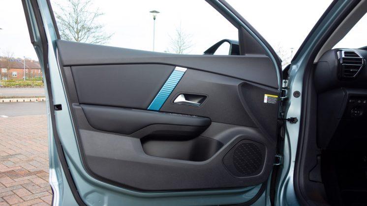 Citroen e-C4 front door