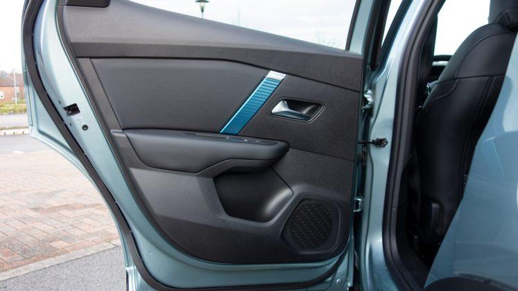 Citroen e-C4 rear door